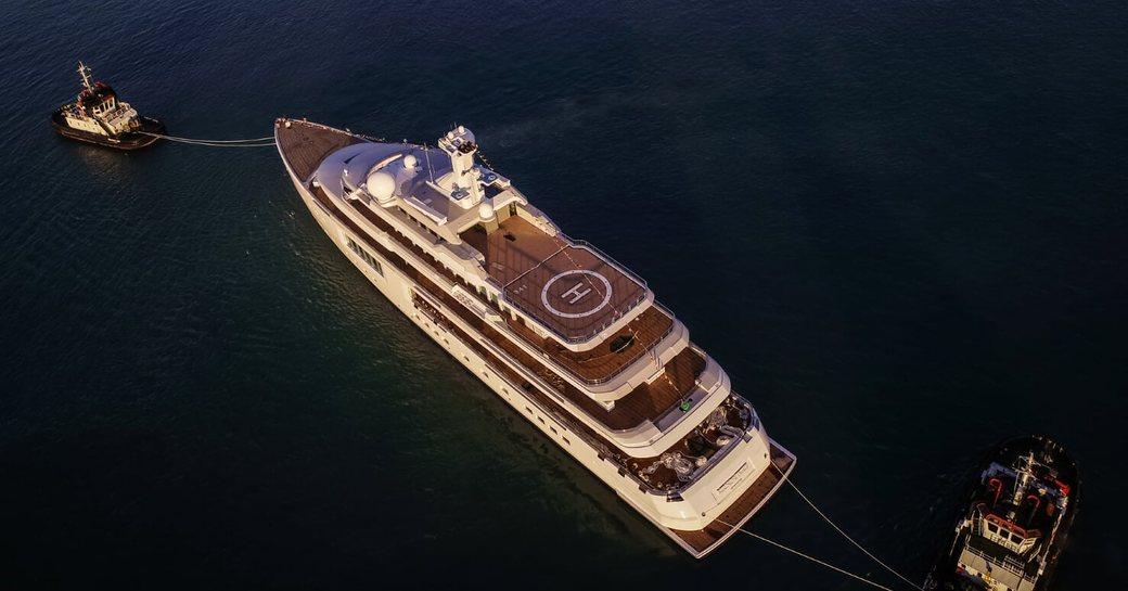aerial shot of benetti superyacht SAMAR or FB 272