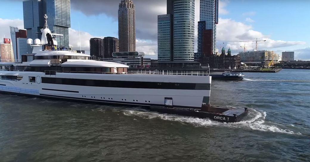 Lady S underway in Rotterdam