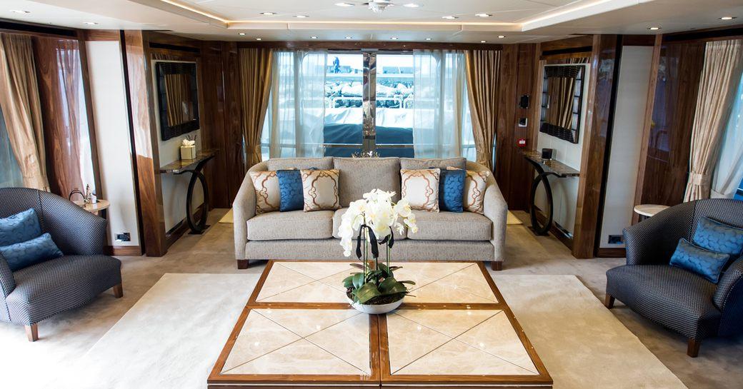 soothing main salon on board motor yacht 'Princess AVK'