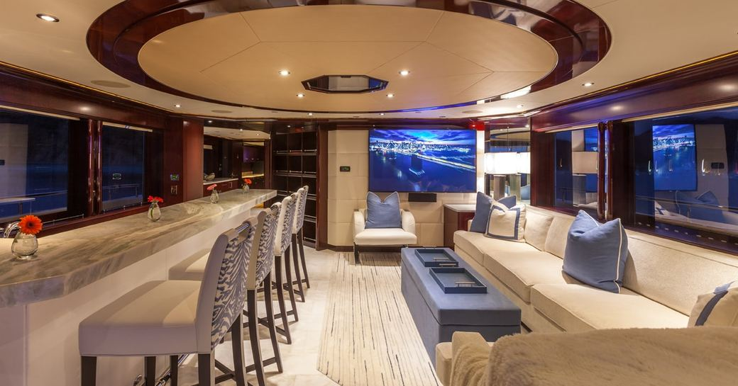 Skylounge with bar on superyacht TRENDING