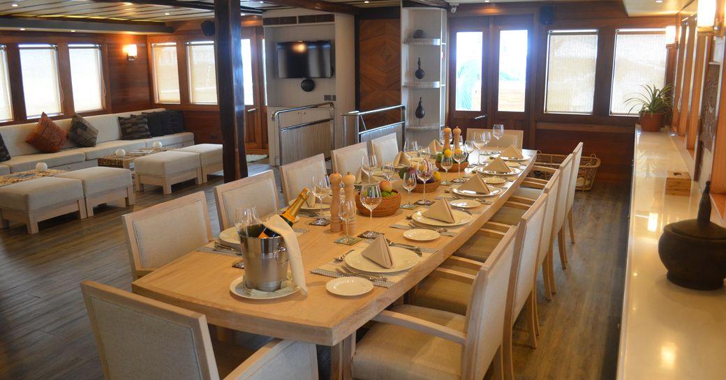 sailing yacht LAMIMA's dining area