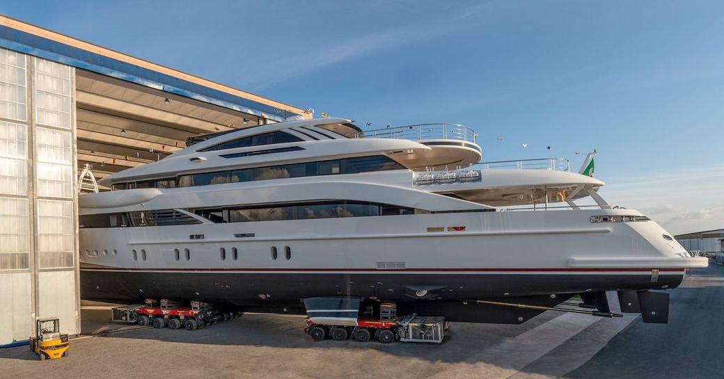 rossinavi yacht florentia leave construction hall