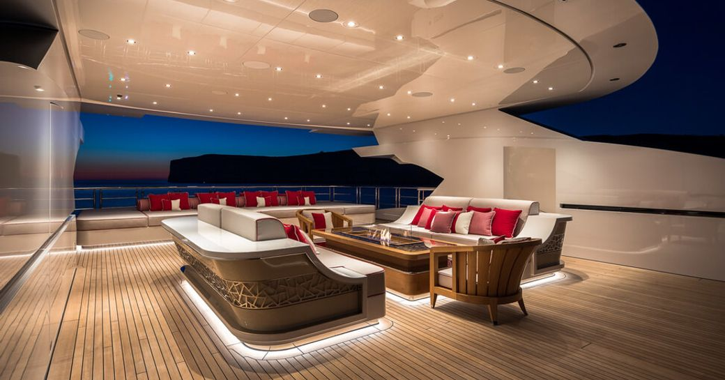 Inside Beyonce and Jay-Z's €1.7 mil p/ week charter yacht LANA photo 17