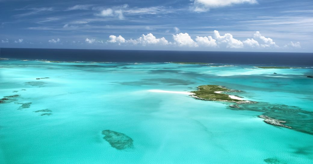 Bright blue sea in the Bahamas, the perfect yacht charter destination