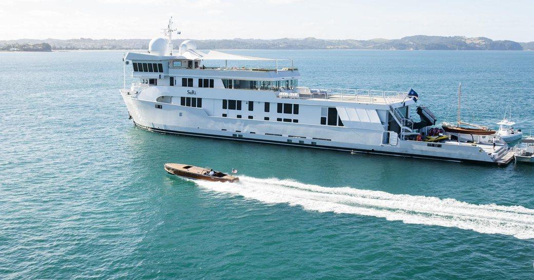 Charter Yacht SURI Provides Aid To Saint Martin photo 1
