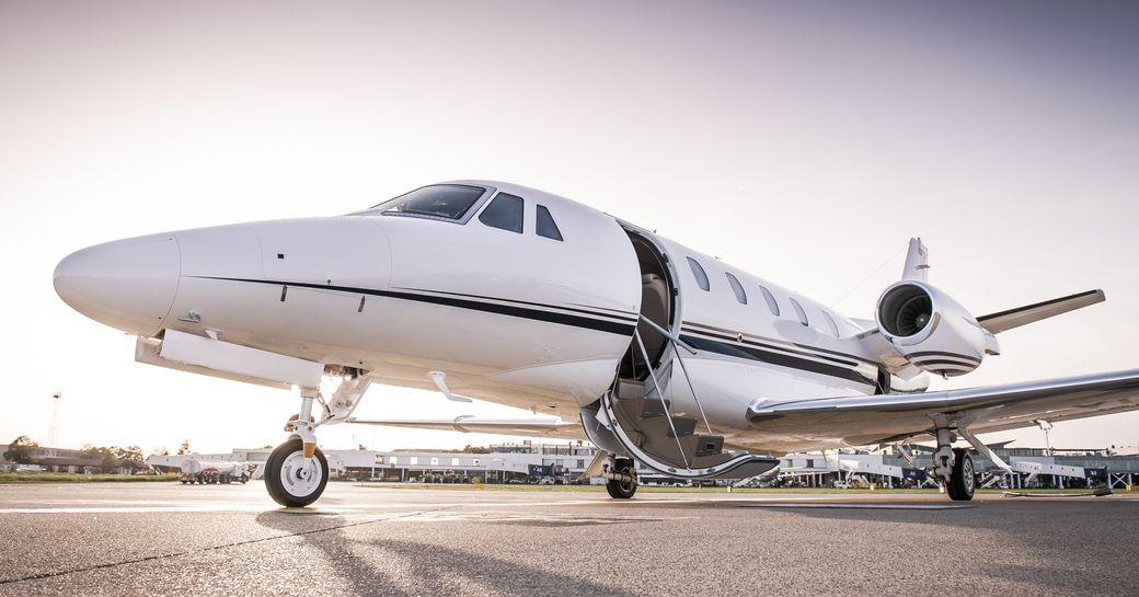 private jet charter plane