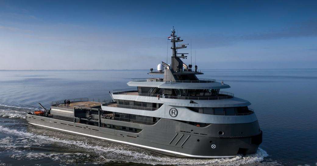 ragnar yacht, shot of bow while underway