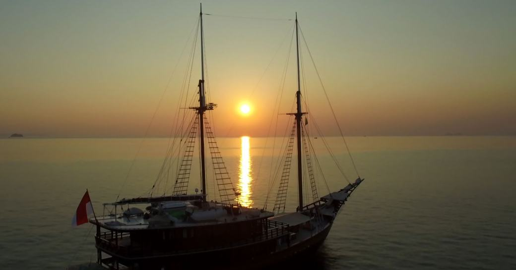 Video: Charter Yacht 'Dunia Baru' Available In Myanmar This Winter photo 9