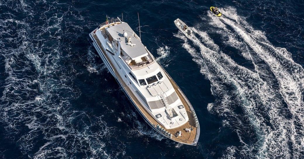 Motor yacht Antisan underway