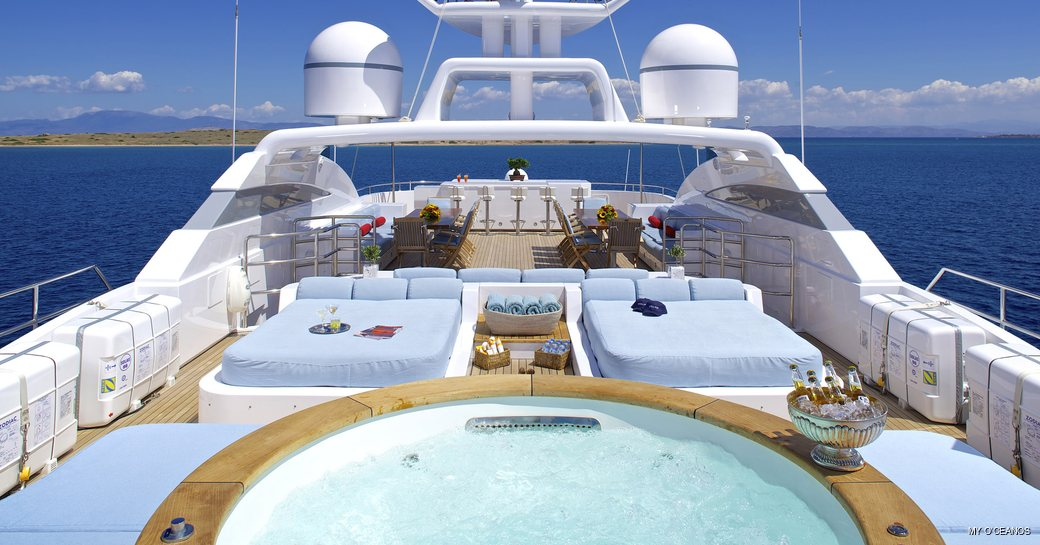 Jacuzzi onboard MY O'Ceanos