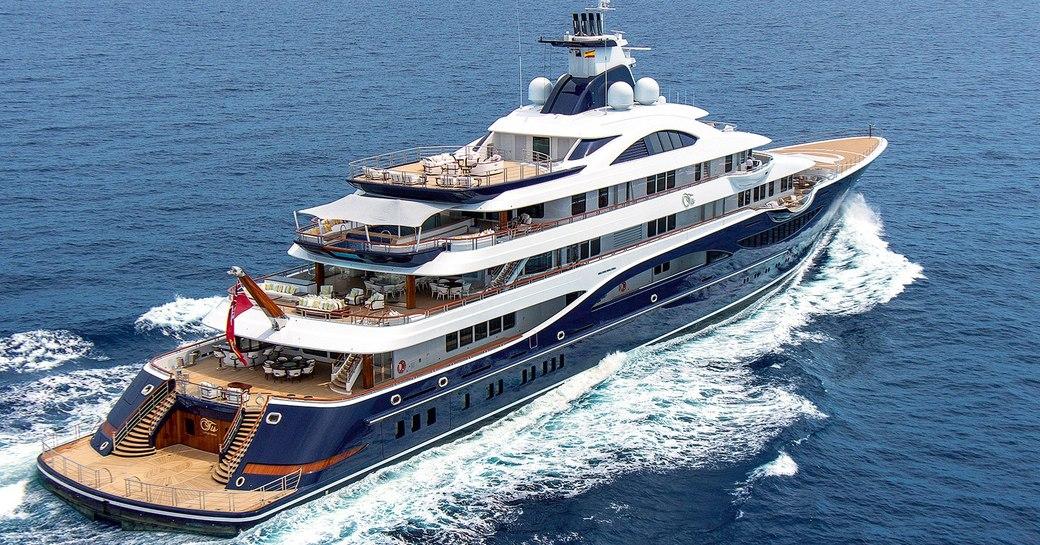 Luxury yacht TIS by Lurssen underway