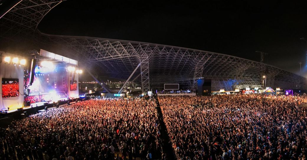 crowds of grand prix-goers fill du Arena in Abu Dhabi for the after-race concerts
