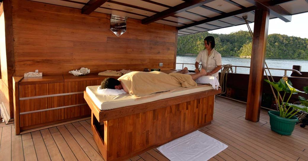 Superyacht LAMIMA Donates 50% Of Charter Fee To Local Charity photo 1