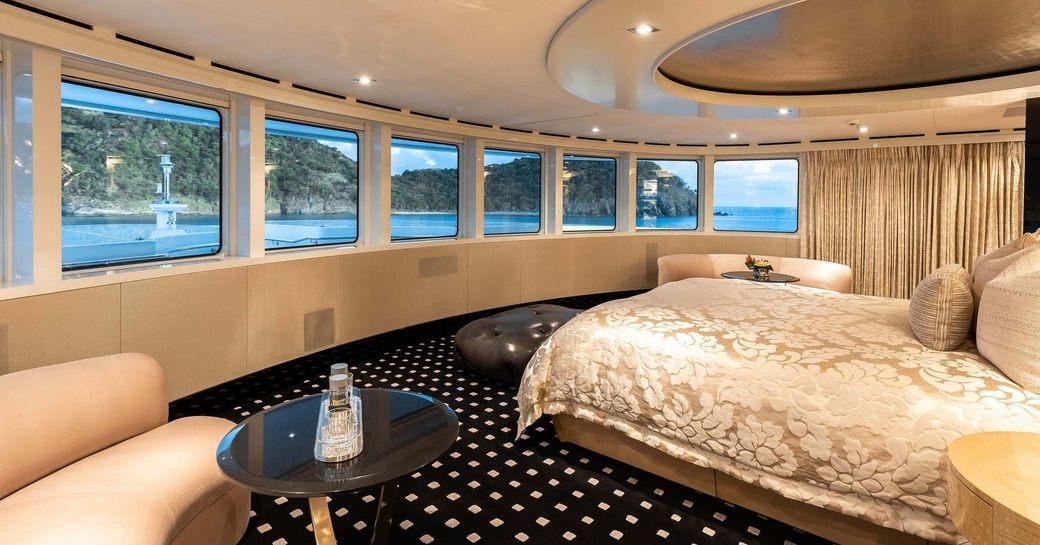 Master suite onboard MY Secret
