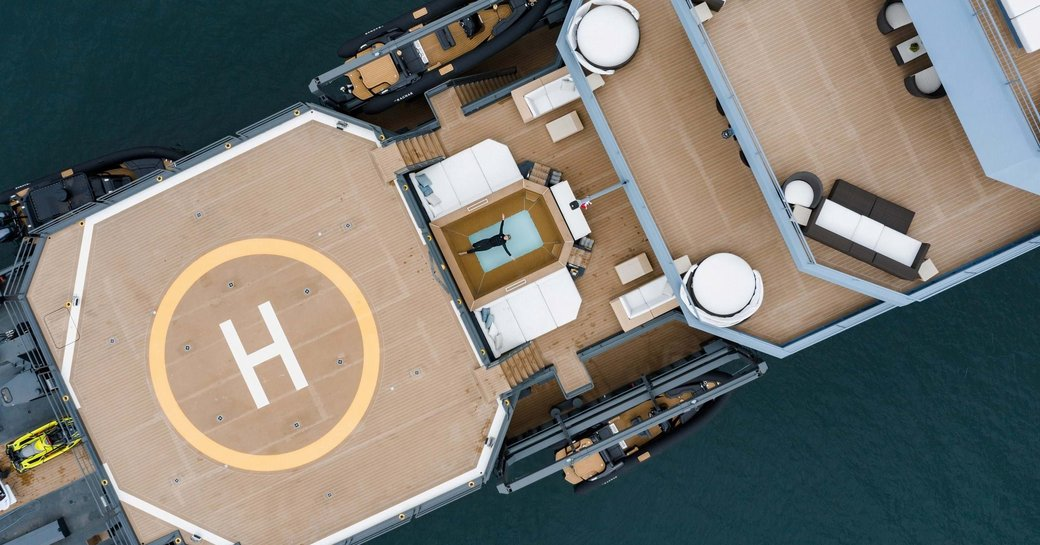 Superyacht RAGNAR helipad viewed from above