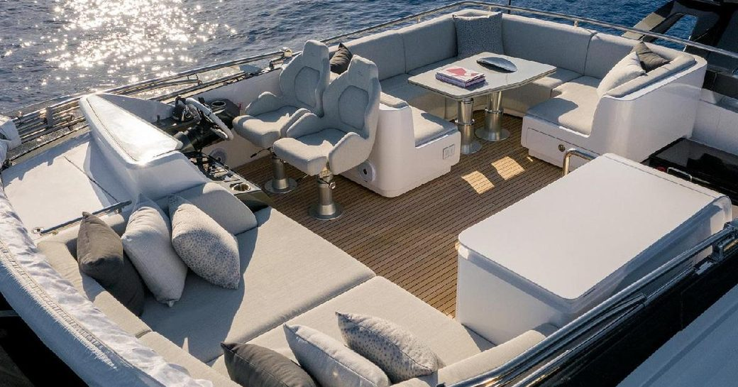 Flybridge onboard MY Never Give Up
