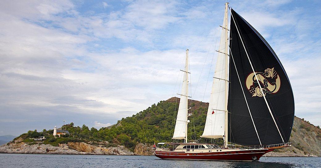 luxury yacht DAIMA cruising on a charter vacation in Turkey