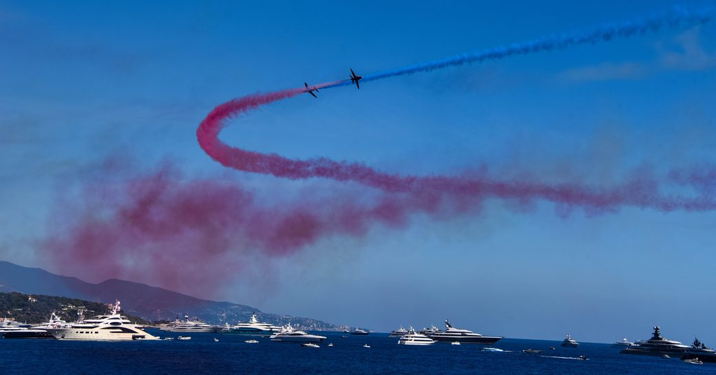 Red Arrows performance wows crowds at 2018 Monaco Yacht Show photo 1