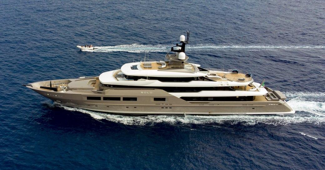 superyacht SOLO underway on a luxury yacht charter