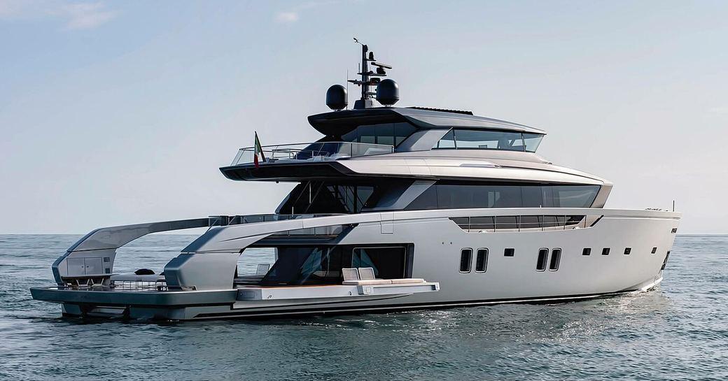 Sanlorenzo superyacht ALMAX on water
