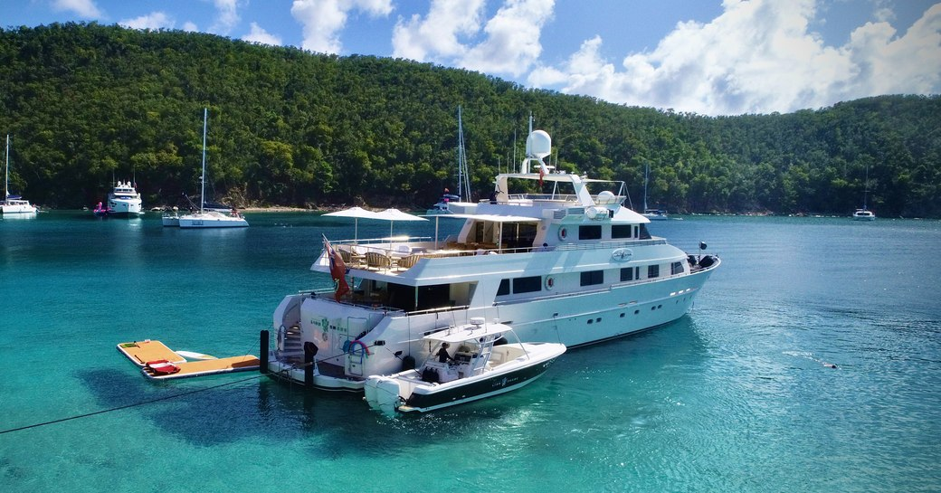 Aft deck of motor yacht LIONSHARE