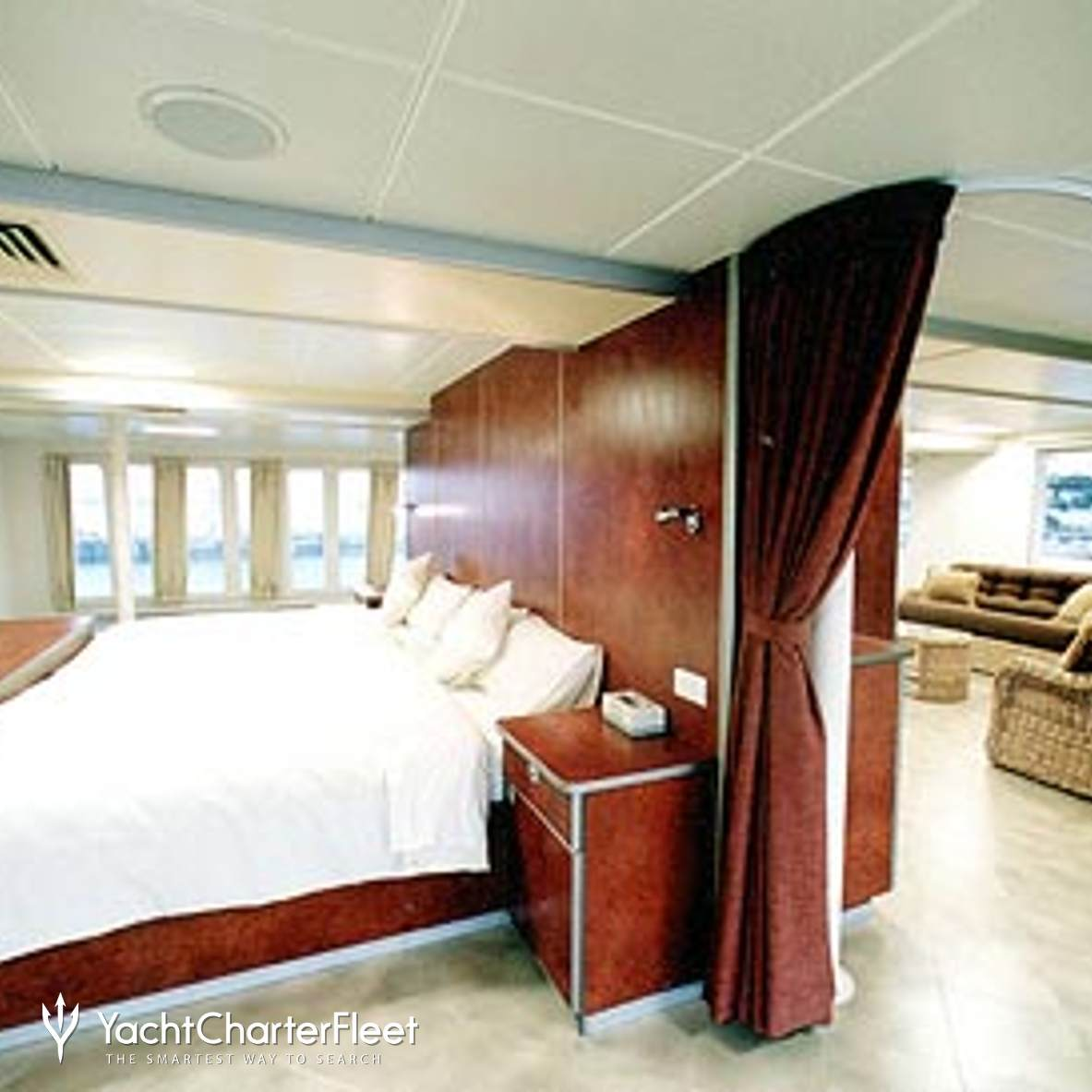 Custom Power Catamaran photo 5