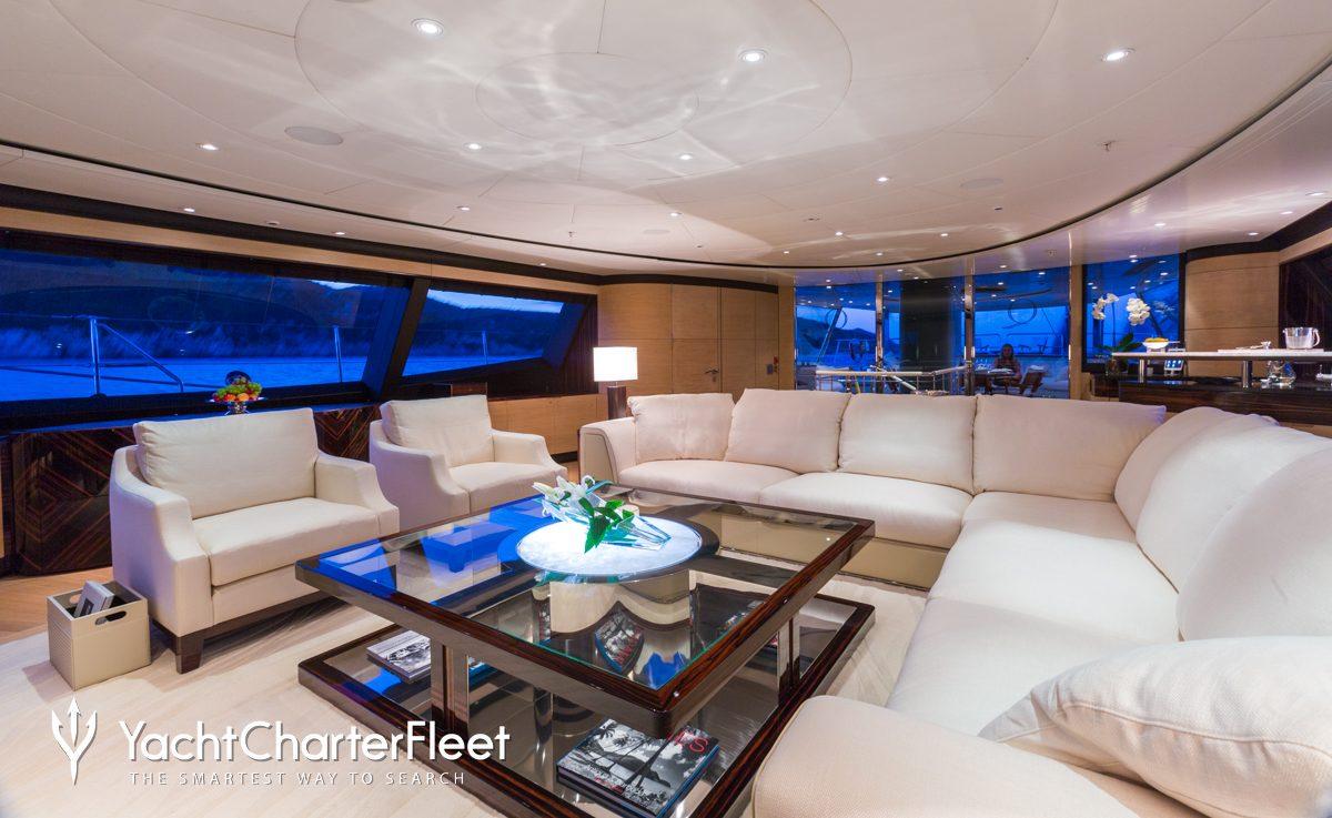 Q Yacht ...