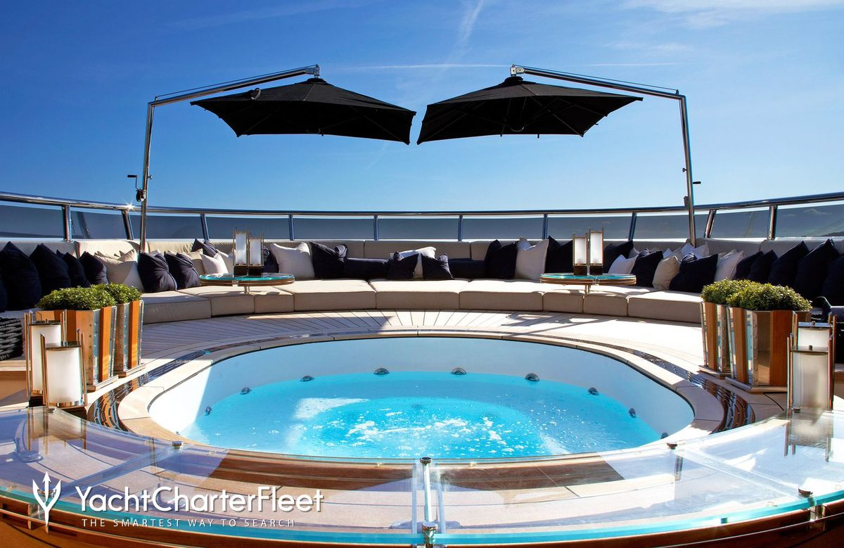 Sealyon yacht charter price ex candyscape ii - Jacuzzi de lujo ...