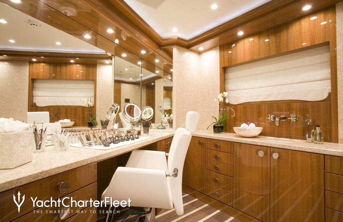 Nirvana yacht charter price oceanco luxury yacht charter -  Alfa Nero Yacht Treatment Room
