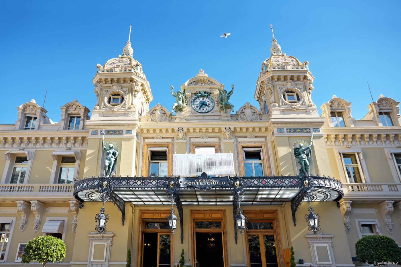 visiting the prince's palace of monaco on our french riviera charter vacation