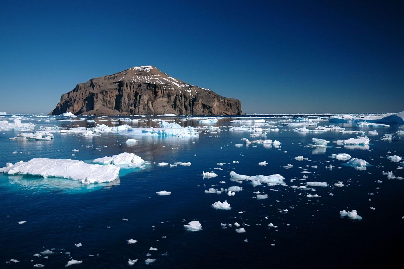 Photo Tour of Antarctica 11