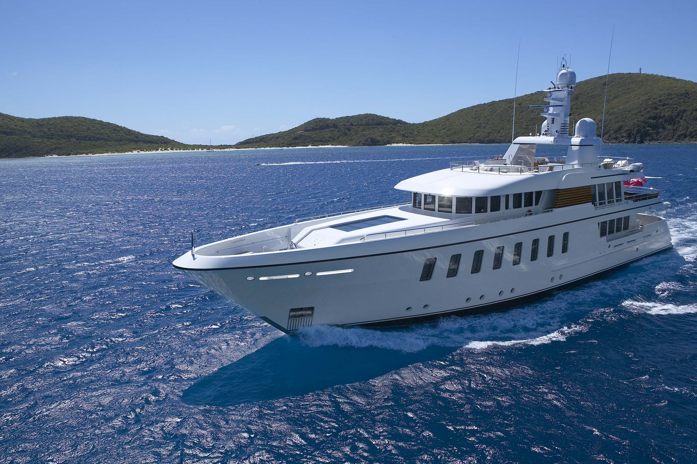 superyacht GLADIATOR cruising on a luxury yacht charter