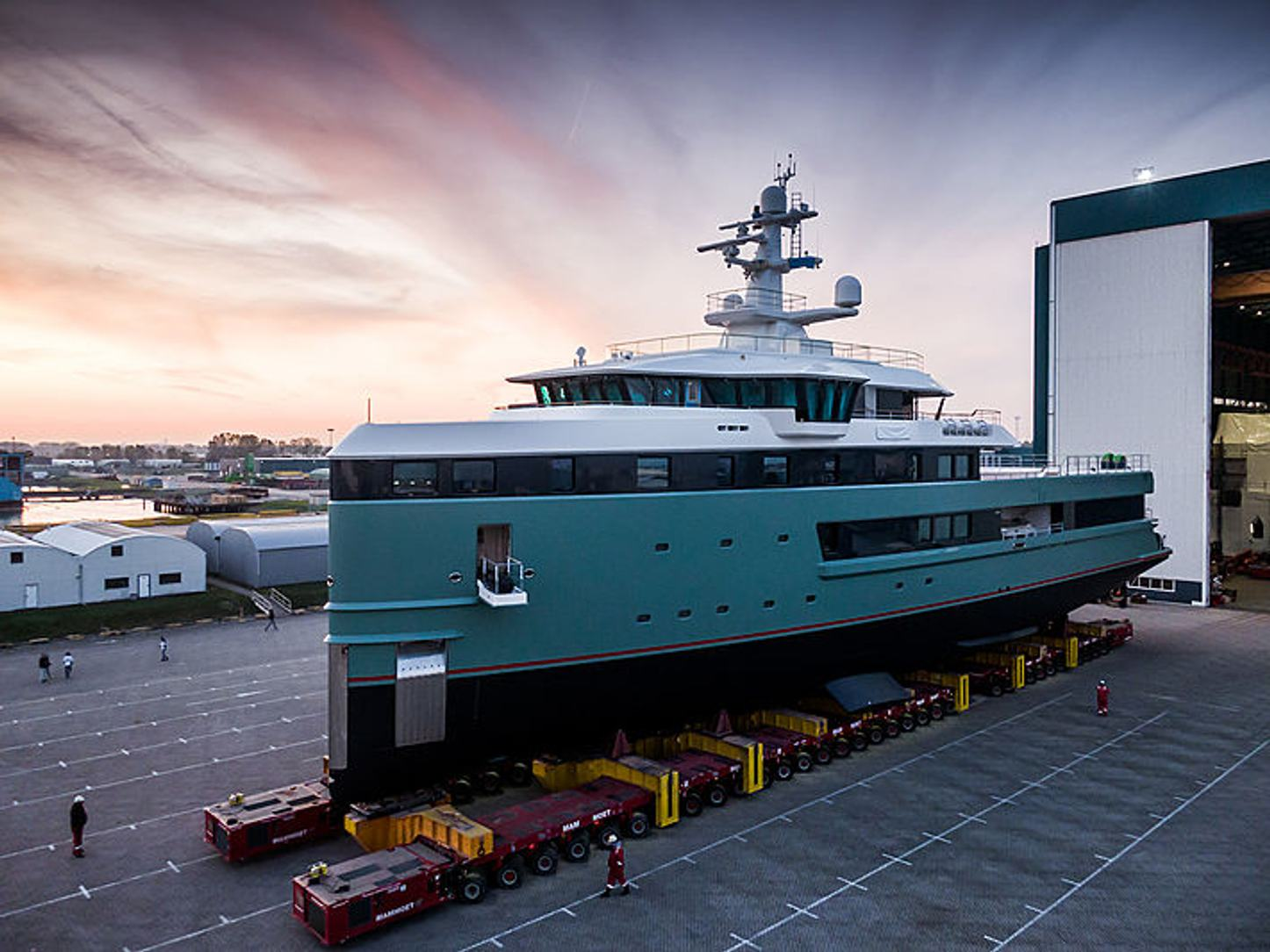 luxury yacht anawa