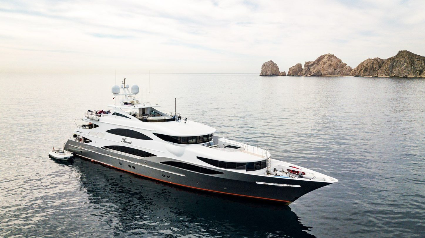 luxury yacht tsumat at anchor