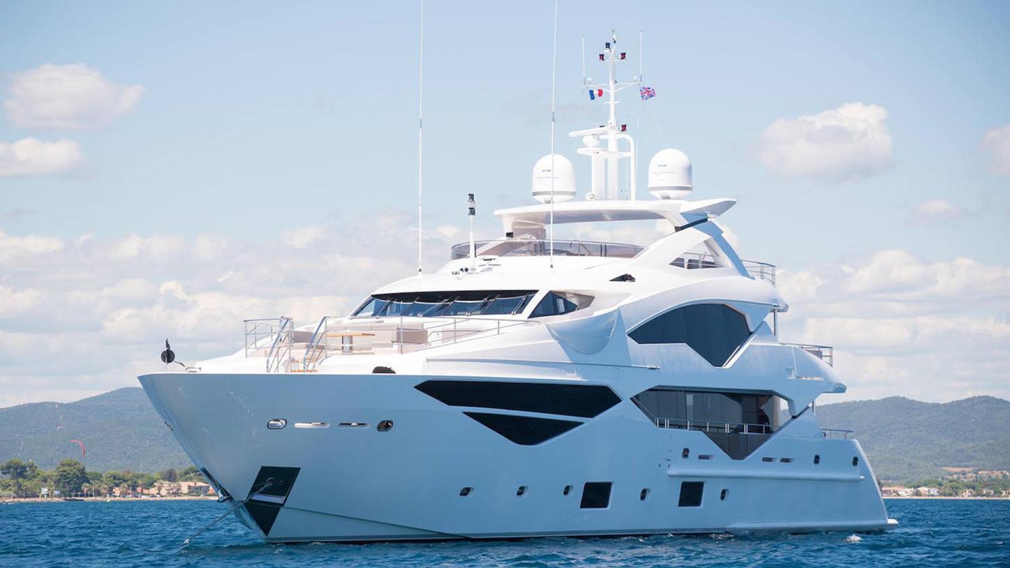 superyacht Lady M
