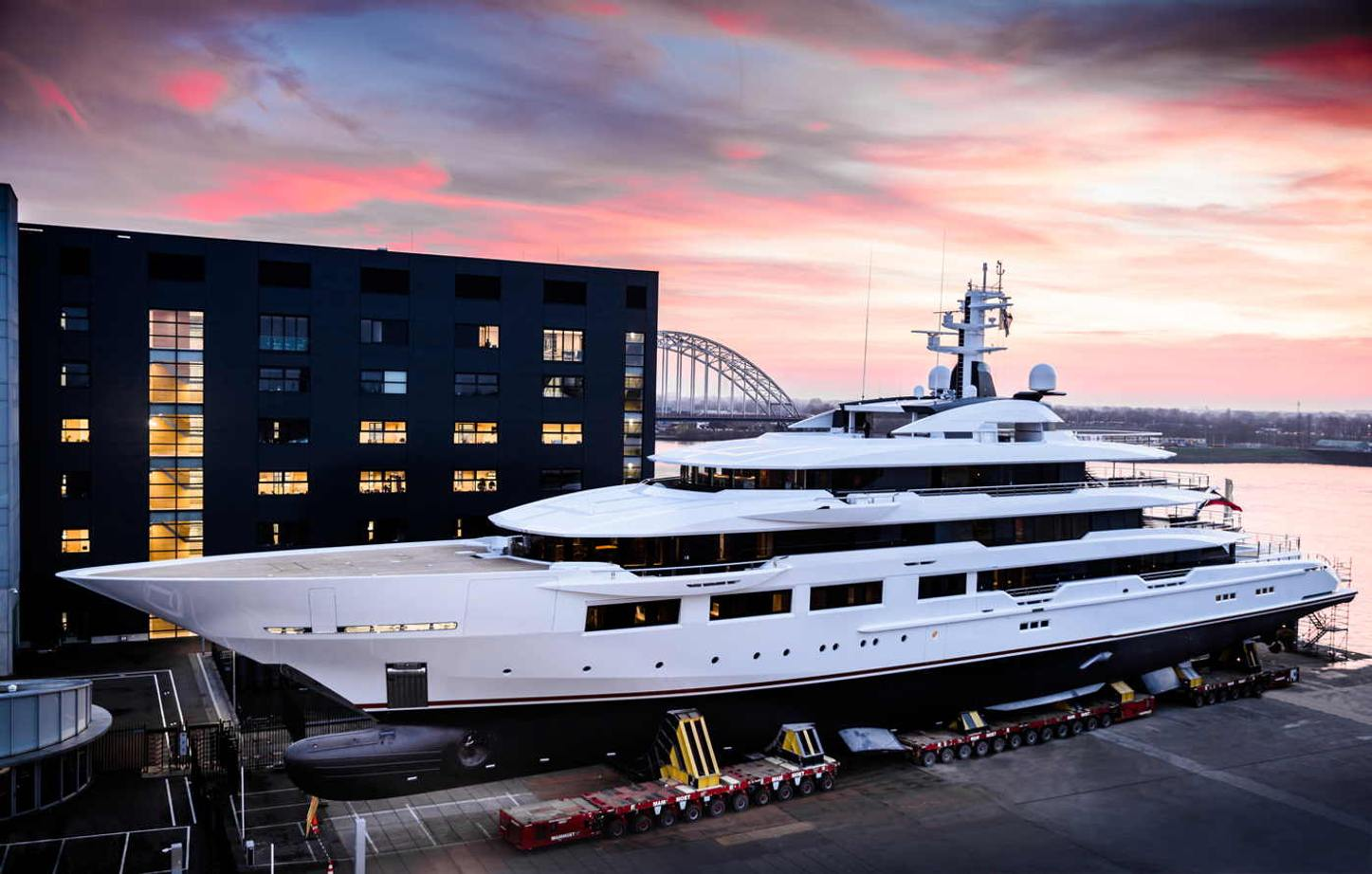 Superyacht DreAMBoat being launched at Oceanco