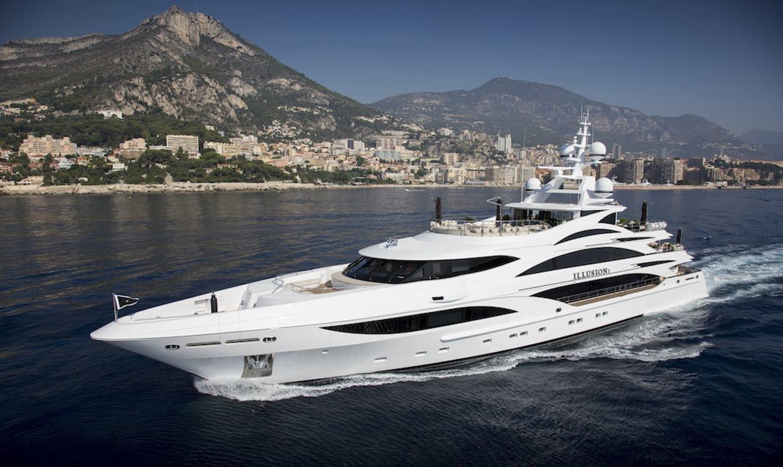 luxury yacht illusion v