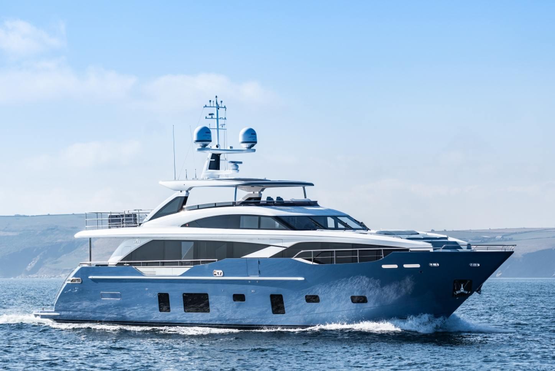 Superyacht HALLELUJAH underway