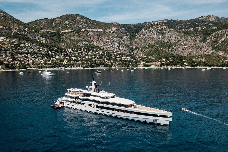 Lady S superyacht in the Mediterranean