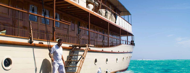 Thanda Island Yacht Cruise Image 3