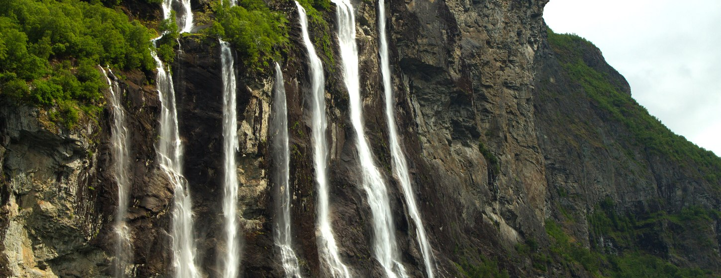 The Seven Sisters Waterfall Image 3
