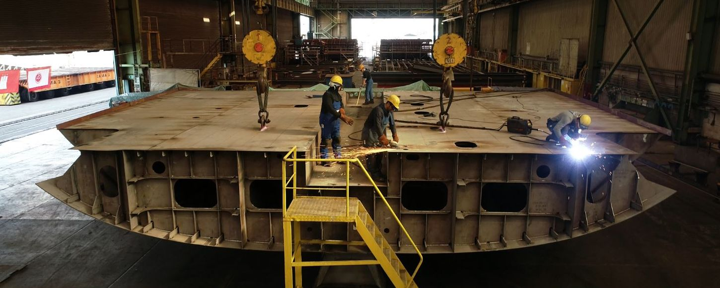 Keel laying on superyacht 6507