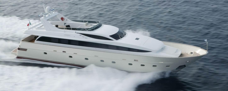 Charter yacht Alila cruising in Italy