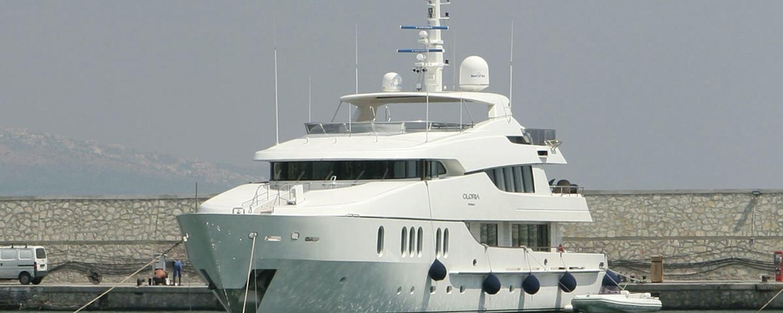 Charter Yacht Gloria Teresa at anchor