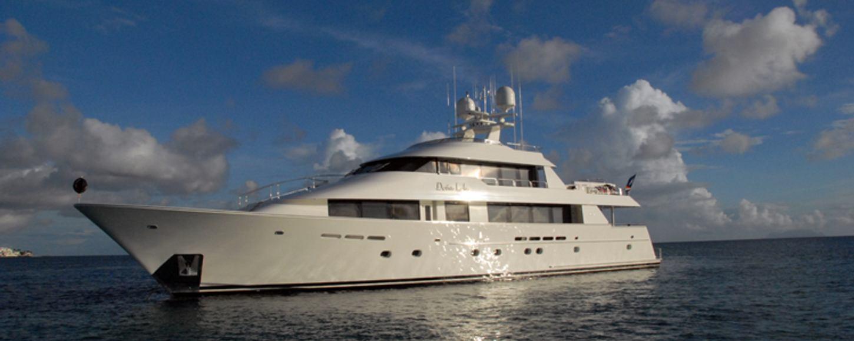 Dona Lola Motor Yacht - Last Minute Charter in Greece