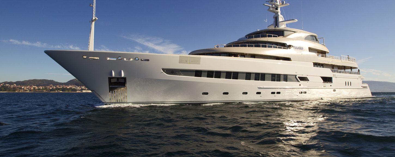 Expedition Yacht NAIA