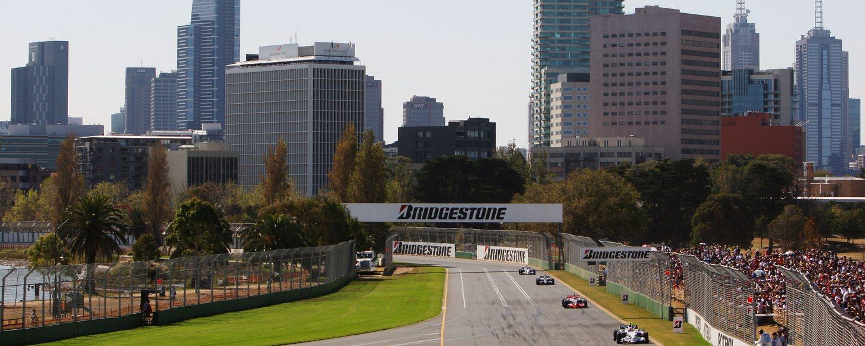 Cars racing in the Australian Grand Prix