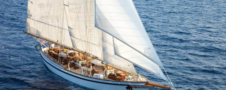 Charter yacht Lady Thuraya sailing in Monaco