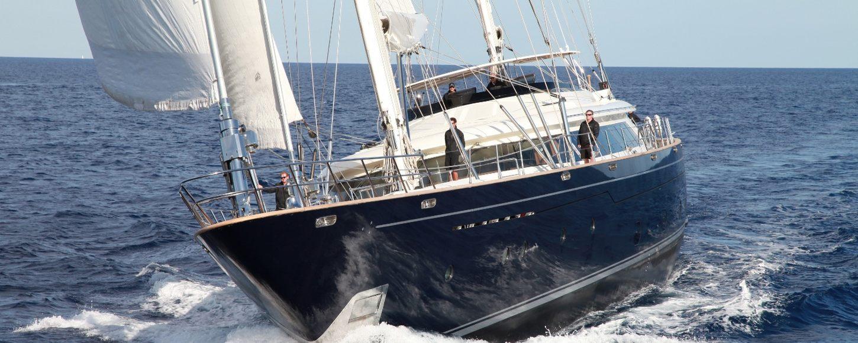 Charter yacht Silencio under sail in Sardinia