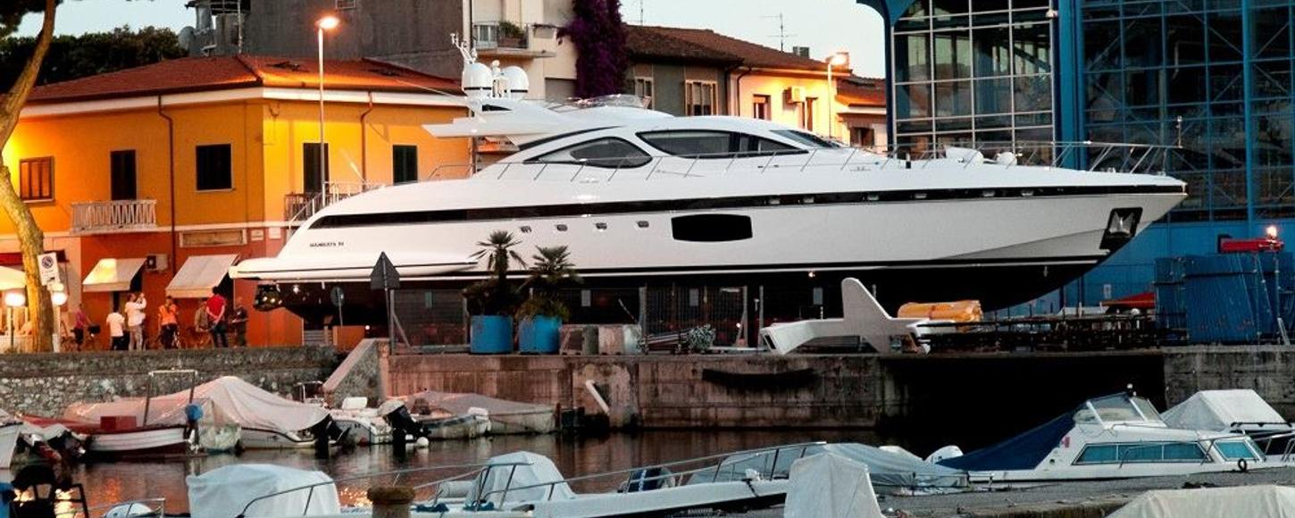 The second hull in the Mangusta 4 series